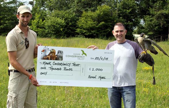 Hawk Conservancy Trust receive £1000